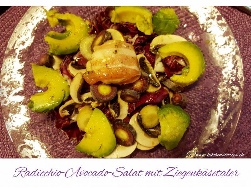 Radicchio-Avocado-Salat mit Ziegenkäsetaler