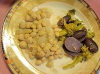 Blaue Kartoffeln mit Pouletbrätkugeln aus dem Monsieur Cuisine