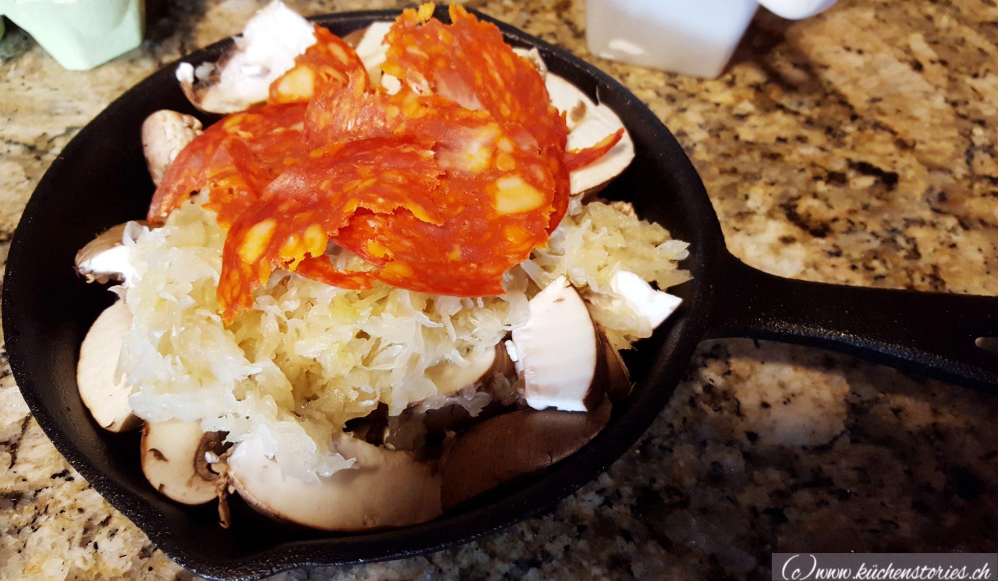 Sauerkrautpfännchen mit Chorizo